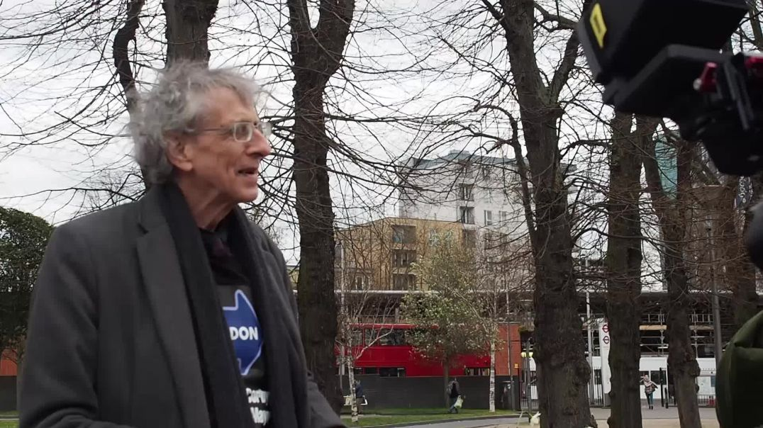 Piers Corbyn and Heiko Khoo in Walthamstow  7.4.21